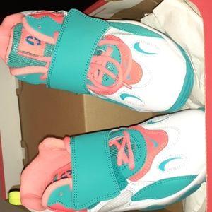 Nikes speed turf